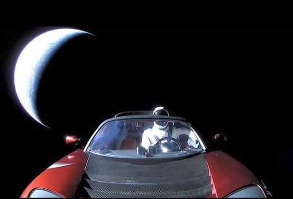 Photo of Uzay otomobili ve starman – Elon Musk içerir